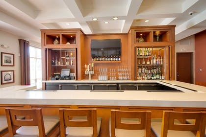 Hotel Bar | DoubleTree by Hilton Hotel Raleigh - Cary