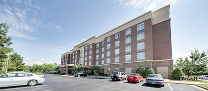 Parking | DoubleTree by Hilton Hotel Raleigh - Cary
