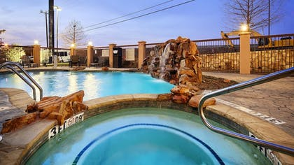 Pool | Best Western Plus DFW Airport West Euless