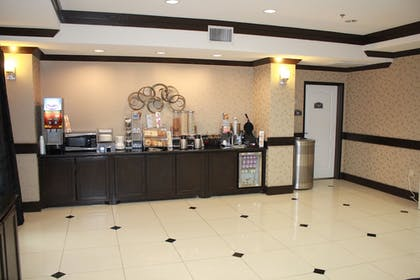 Breakfast Area | Best Western Plus DFW Airport West Euless
