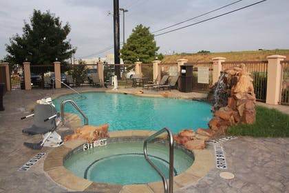 Outdoor Pool | Best Western Plus DFW Airport West Euless