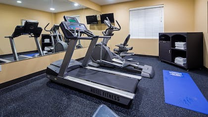 Fitness Facility | Best Western Bowie Inn & Suites