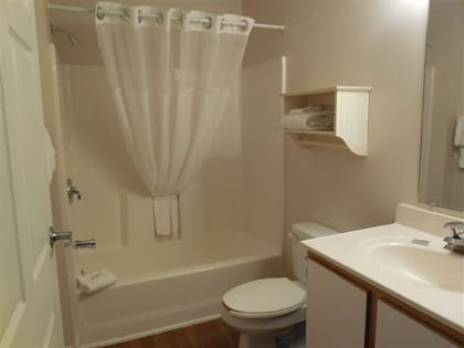 Bathroom | Affordable Suites Salisbury