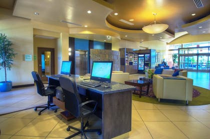 Lobby Sitting Area | Holiday Inn Hotel & Suites PHOENIX AIRPORT