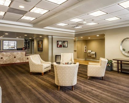 Lobby | Hotel Med Park, an Ascend Hotel Collection Member
