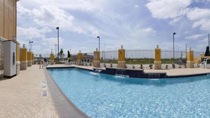 Outdoor Pool | Holiday Inn Express Hotel & Suites Katy