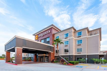 Exterior | La Quinta Inn & Suites by Wyndham Houston Channelview