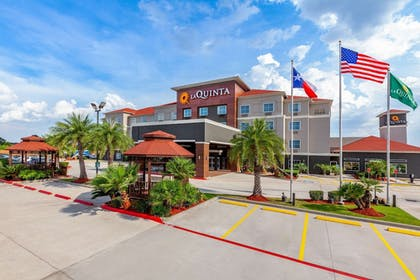 Featured Image | La Quinta Inn & Suites by Wyndham Houston Channelview