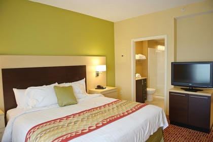 Guestroom | TownePlace Suites by Marriott Mooresville
