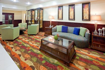 Lobby | Holiday Inn Express & Suites Lubbock West