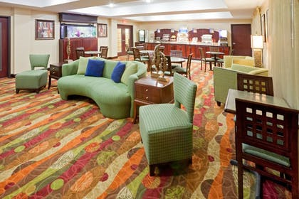 Restaurant | Holiday Inn Express & Suites Lubbock West