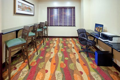 Business Center | Holiday Inn Express & Suites Lubbock West