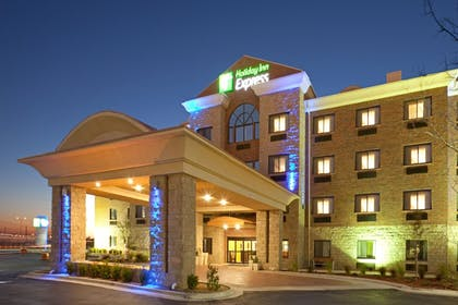 Exterior | Holiday Inn Express & Suites Lubbock West