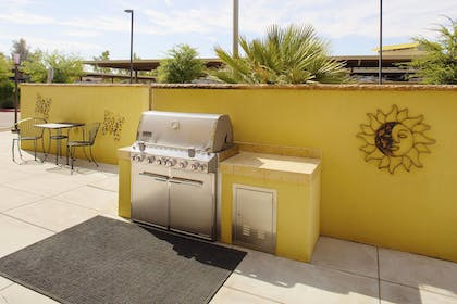 BBQ/Picnic Area | TownePlace Suites by Marriott Goodyear