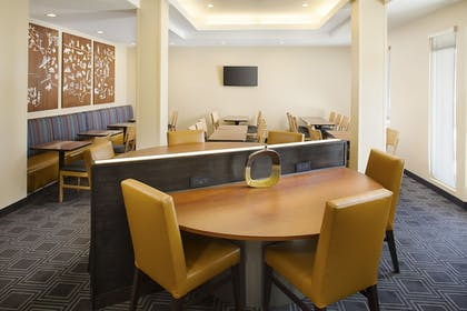 Breakfast Area | TownePlace Suites by Marriott Goodyear