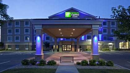 Exterior | Holiday Inn Express Hotel & Suites Rogers