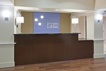 Lobby | Holiday Inn Express Hotel & Suites Rogers