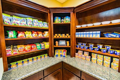 Snack Bar | Holiday Inn Express Hotel & Suites - Houston Space Center