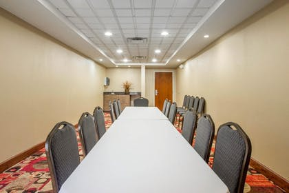 Meeting Facility | Comfort Suites Golden Isles Gateway