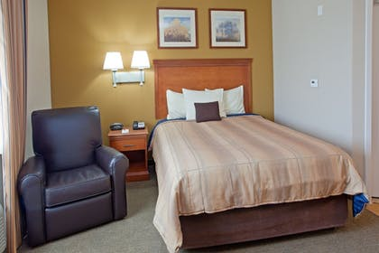 Guestroom | Candlewood Suites League City