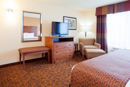 Guestroom | Holiday Inn Express Hotel & Suites Mount Airy