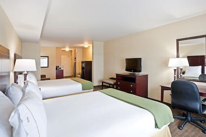 Guestroom | Holiday Inn Express & Suites Seattle North - Lynnwood