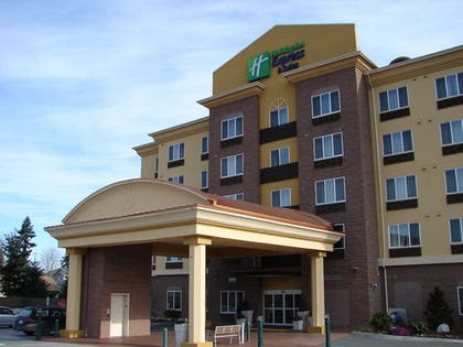 Building design | Holiday Inn Express & Suites Seattle North - Lynnwood