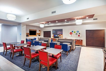 Featured Image | Holiday Inn Express Hotel & Suites PORT ARTHUR