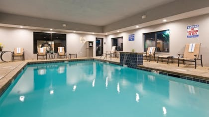Pool | Best Western Plus Atrea Airport Inn & Suites