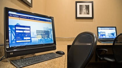 Business Center | Best Western Plus Atrea Airport Inn & Suites