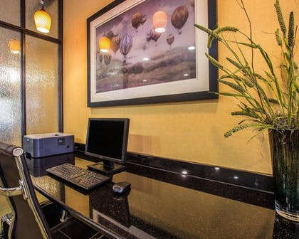 Business Center | Comfort Suites Simpsonville