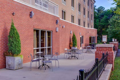 Outdoor Dining | Holiday Inn Express Hotel & Suites Raleigh SW NC State