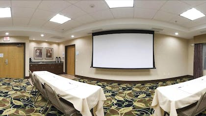 Meeting Facility | Holiday Inn Express Hotel & Suites Peru - Lasalle Area
