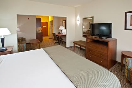 Guestroom | Holiday Inn Express Hotel & Suites RIPLEY