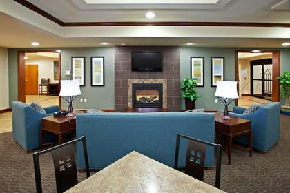 Restaurant | Holiday Inn Express Hotel & Suites RIPLEY