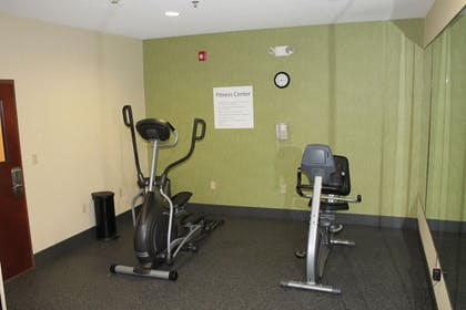 Fitness Facility | Holiday Inn Express Hotel & Suites RIPLEY