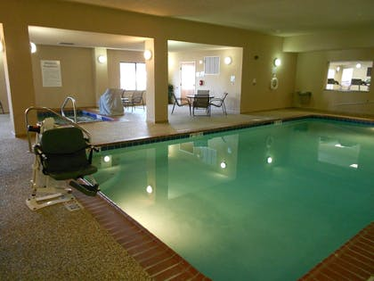 Pool | Holiday Inn Express Hotel & Suites RIPLEY
