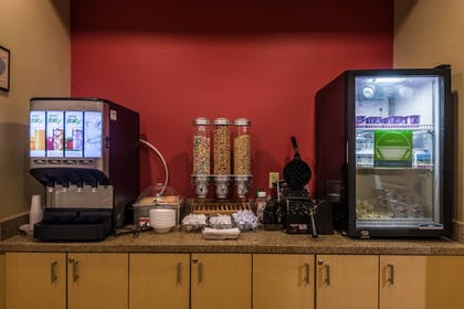 Breakfast buffet | TownePlace Suites Dallas DeSoto