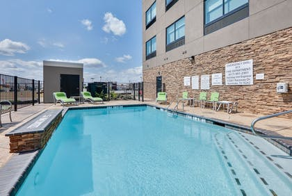 Pool | Holiday Inn Express & Suites Fort Worth North - Northlake