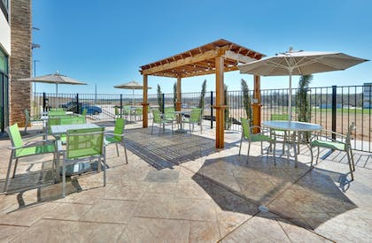 Terrace/Patio | Holiday Inn Express & Suites Fort Worth North - Northlake