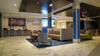 Interior Entrance | Holiday Inn Express & Suites Nashville - Franklin