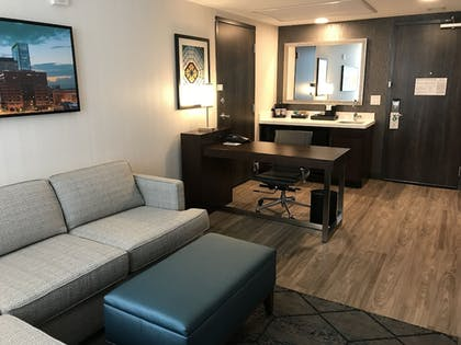 Living Area | Embassy Suites by Hilton Plainfield Indianapolis Airport