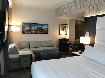 Guestroom | Embassy Suites by Hilton Plainfield Indianapolis Airport