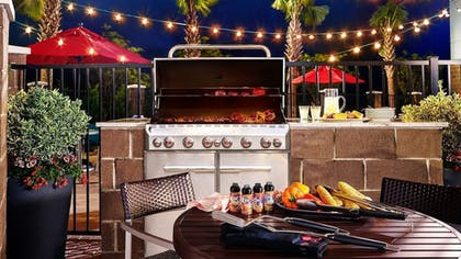 BBQ/Picnic Area | TownePlace Suites by Marriott Temple