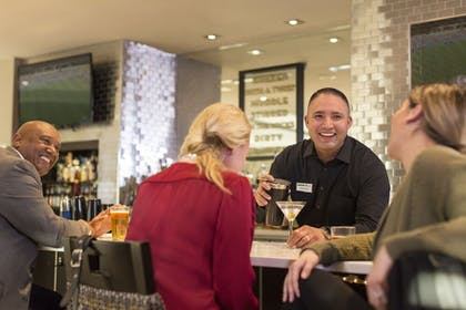 Hotel Bar | Holiday Inn and Suites Nashville Dtwn - Conv Ctr