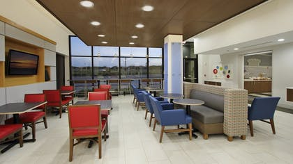 Restaurant | Holiday Inn Express & Suites Dallas-Frisco NW Toyota Stdm