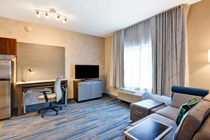 Guestroom | TownePlace Suites by Marriott Bridgewater Branchburg
