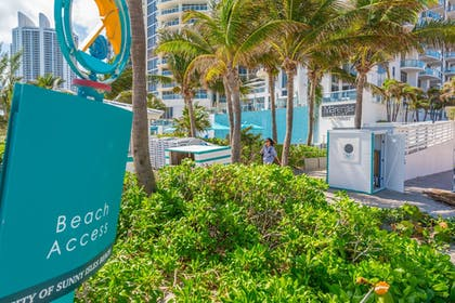 Beach | MARENAS BEACH RESORT privately managed by Miami and the Beaches Rental