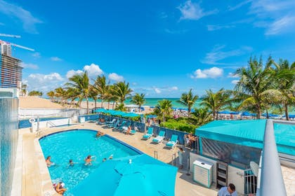 Poolside Bar | MARENAS BEACH RESORT privately managed by Miami and the Beaches Rental
