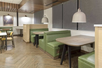 Restaurant | Fairfield Inn & Suites Fort Collins South